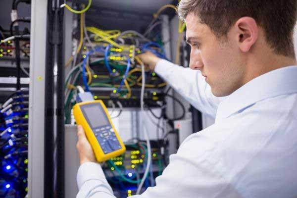 Ausbildung zum IT-Systemelektroniker (m/w/d) (Vollzeit | Friedrichsdorf)